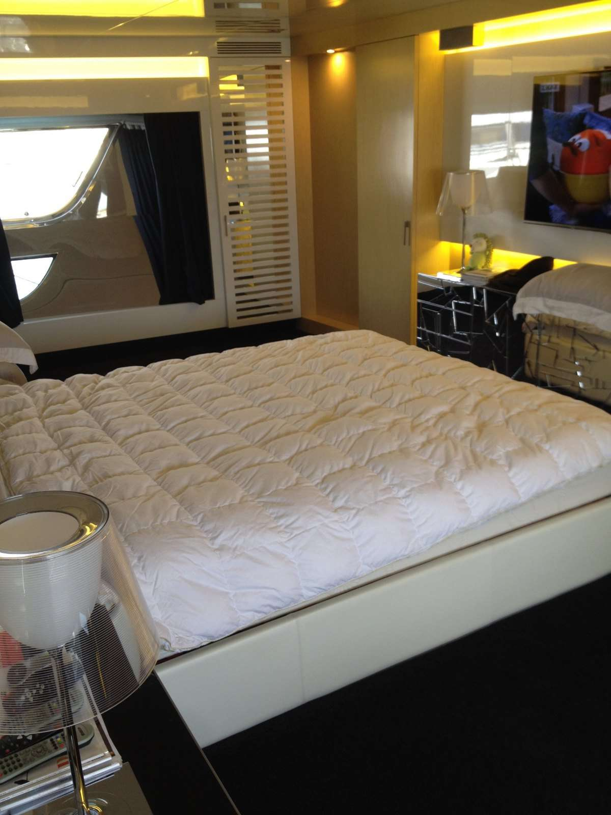 pure-restorations-yacht-interior-cleaning-greece-13