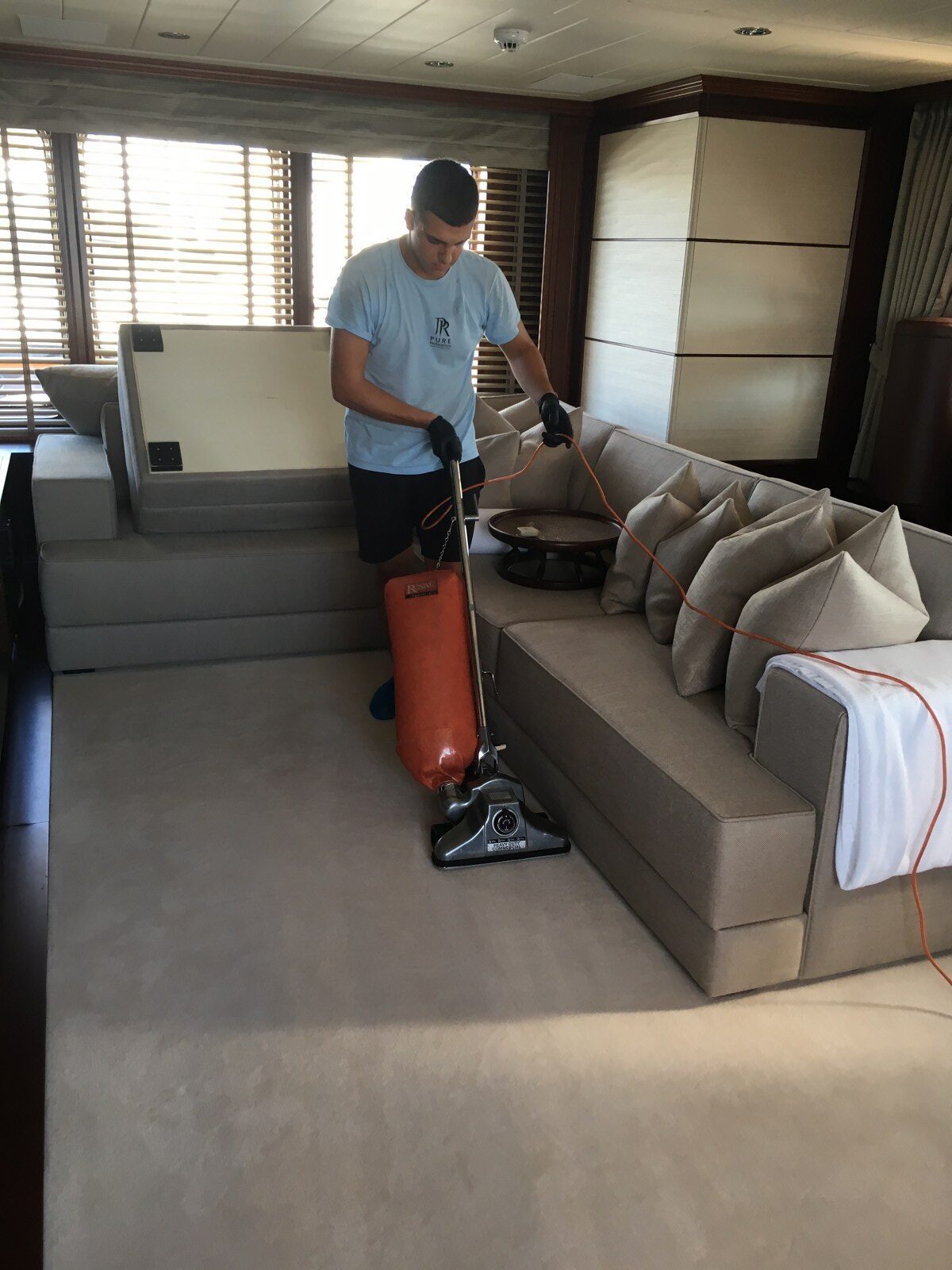 pure-restorations-yacht-interior-cleaning