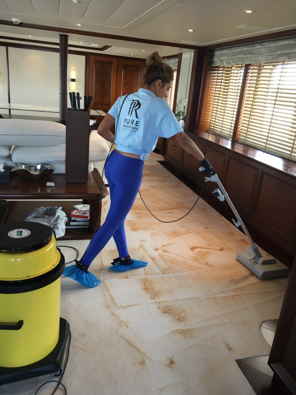 pure-restorations-yacht-interior-cleaning12